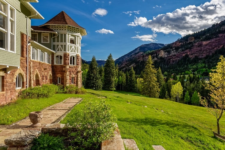 gorgeous mountain view from Redstone Castle in colorado