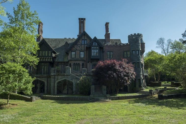 real mansion from haunting of hill house
