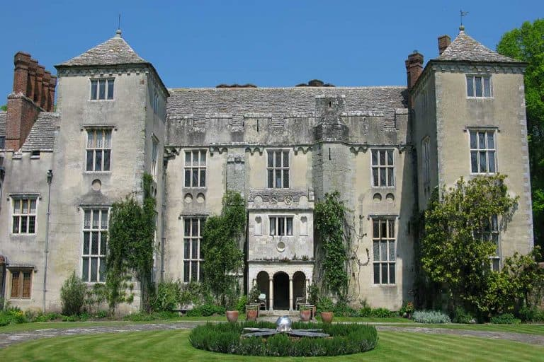 Cranborne Manor which appears in latest adaption of rebecca