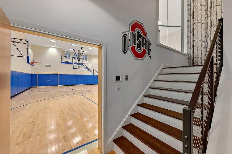 house for sale with two basketball courts