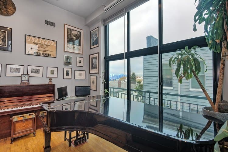 steinway piano in new jersey apartment