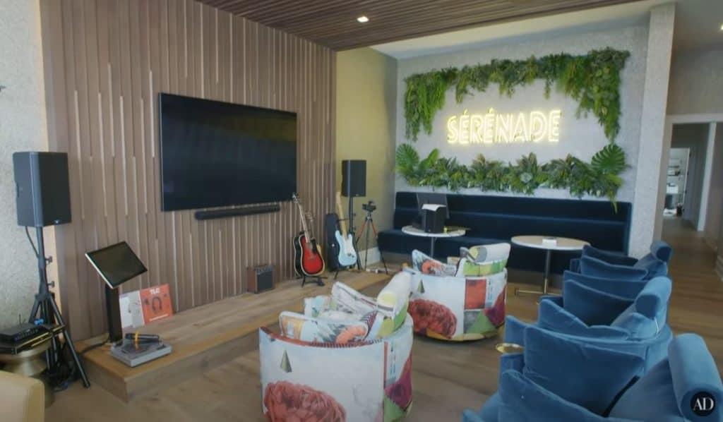 serena williams' karaoke room in her florida home