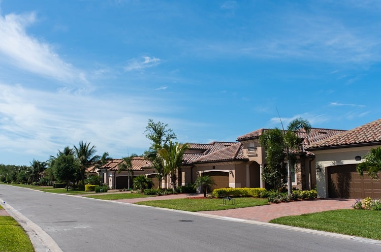 houses with curb appeal