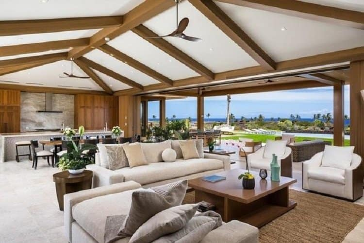 Inside Matthew McConaughey most recent real estate purchase, a $7.8 million house in Hawaii which sits on a one acre lot.