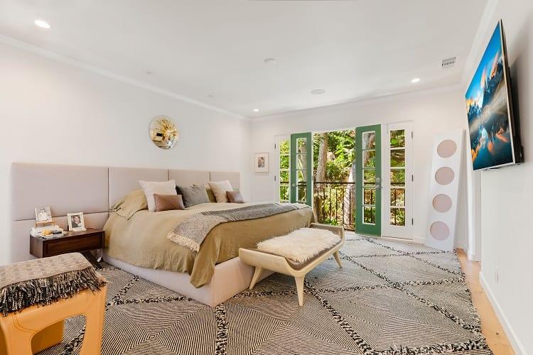 bright owner's suite in los angeles villa
