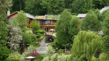 exterior shot of Xanadu 2.0, Bill Gates' house outside of Seattle Washington