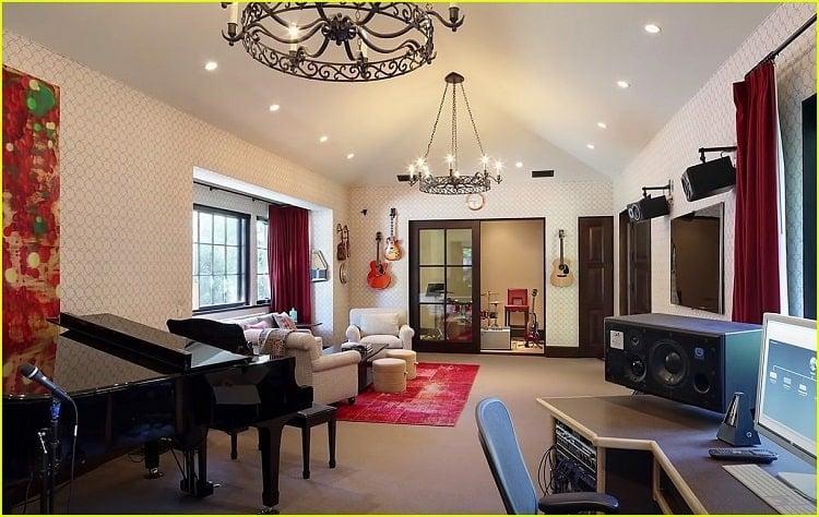 inside dwayne johnson's new house in los angeles