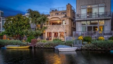 beautiful home on the canal in Venice, California